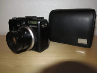 Canon Powershot G9 + Canon Leather Case +Memory Card + Charger can deliver free