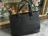 Ladies shoulder bag black used good condition £5
