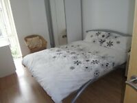 1 bed flat to let in Gainsborough House E14 Part dss/student accepted