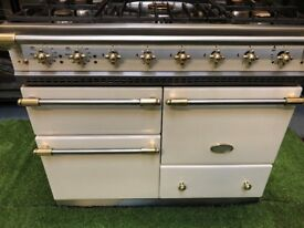 Lovely Lacanche Macon Range cooker oven cream and Brass appliance