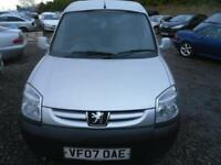 PEUGEOT PARTNER L600 ONLY �1500 - PLY LINED AND CARPETED IN REAR. A TIDY WEE VAN. DRIVES LOVELY 2007