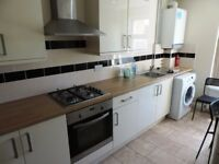 Richmond Crescent, Cathay`s Newly Refurbished 3 Bedroom Top Floor Flat Flat - **£400 pppm**
