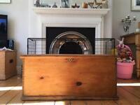 Victorian blanket box pine chest trunk wooden table Victorian kist