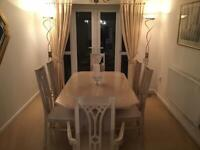6 SEATER EXTENDABLE DINING TABLE WITH FREE LAMPS