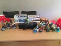 Xbox 360, 13 games, kinnect, skylanders and Disney infinity