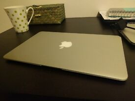 MacBook Air - Perfect conditions 450 £ £ £