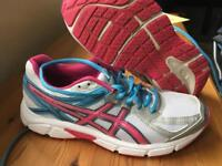 Ladies Asics Trainers size 39.5
