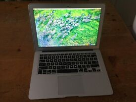 MacBook Air 2012/2013 1.8 ghz 4gb ram 128 SSD comes with microsoft office good conditions