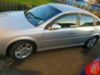 Vauxhall vectra 19cdti breaking complete car