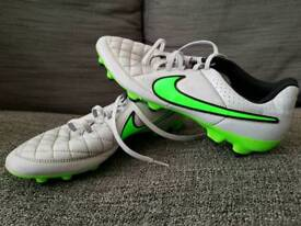 Nike tempo cleats size 9.5