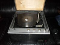 Garrard 6-2000 CP vintage record player with built in speaker.