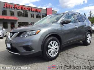 2015 Nissan Rogue S w/back up cam, bluetooth