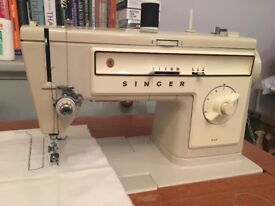 Sewing Machine Singer 522 and Table