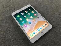 iPad Mini 3 WiFi 16GB Silver, good condition, screen protector