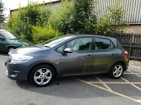 Toyota auris 1.6 petrol 2010 only 1 owner