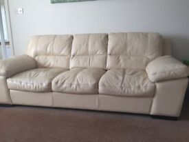 3 PIECE LEATHER SUITE 'POSITANO' BY SOFOLOGY - 3 SEATER, 2 SEATER AND ARMCHAIR - ONLY A YEAR OLD