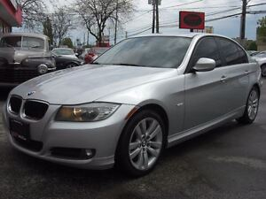 2010 BMW 323 i  323i *Sunroof* *VERY CLEAN*