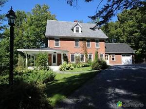 629 000$ - Maison 3 étages à vendre à North-Hatley
