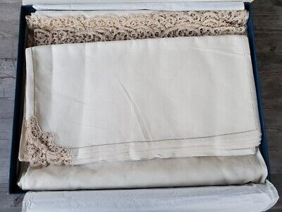 Stunning Italian Luxury Handmade Linen and Lacework Tablecloth & Napkins - Boxed