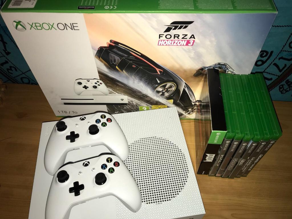 Xbox One Slim 1TB Boxed With Games 2 Controllers