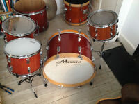 Vintage Maxwin (Pearl) 6-piece Drum kit. Collector's item.