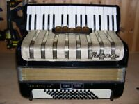 Hohner Arietta IIM, 3 Voice (MMM), Musette Tuned, 72 Bass, Piano Accordion.