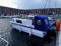 21ft houseboat/ fishing boat