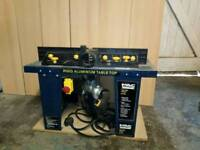 Macallister router table with router