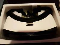 Samsung Gear VR headset - PRISTINE condition