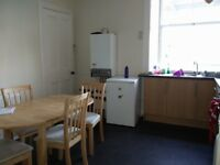 HMO Single Bedroom to rent in heart of Marchmont. Ideal for a student. Only £380 per month!