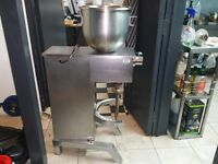 Pizza and bakery dough mixer