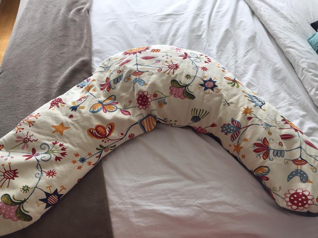 Breastfeeding cushion - baby pregnant cushion