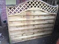 Beautiful panel fence with trellis. - £28 pounds