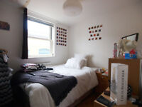 3 double bedroom flat in the heart of Camden moments from Mornington Crescent Tube & Camden High St