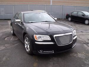 2012 Chrysler 300 Limited // caméra // cuir // toit pano