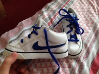 Nike trainers size 8.5 FREE!!