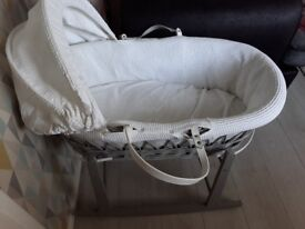 White & grey wicker moses basket & stand