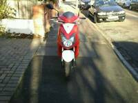 HI NICE BIKE FOR SALE.SYM JET4 125. LOW MILEAGE.QUICK SALE 950 ONO.