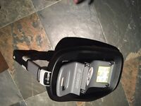 Maxicosi Familyfix Isofix base for sale, compatible with pebble, pearl and cabriofix car seats.