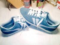 EVERLAST TRAINERS BRAND NEW SIZE 9.5