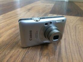 Canon IXUS 100 Digital Camera and memory cards