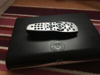 Sky box Hd + and original remote