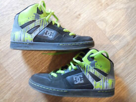 DC Trainers High Tops UK5