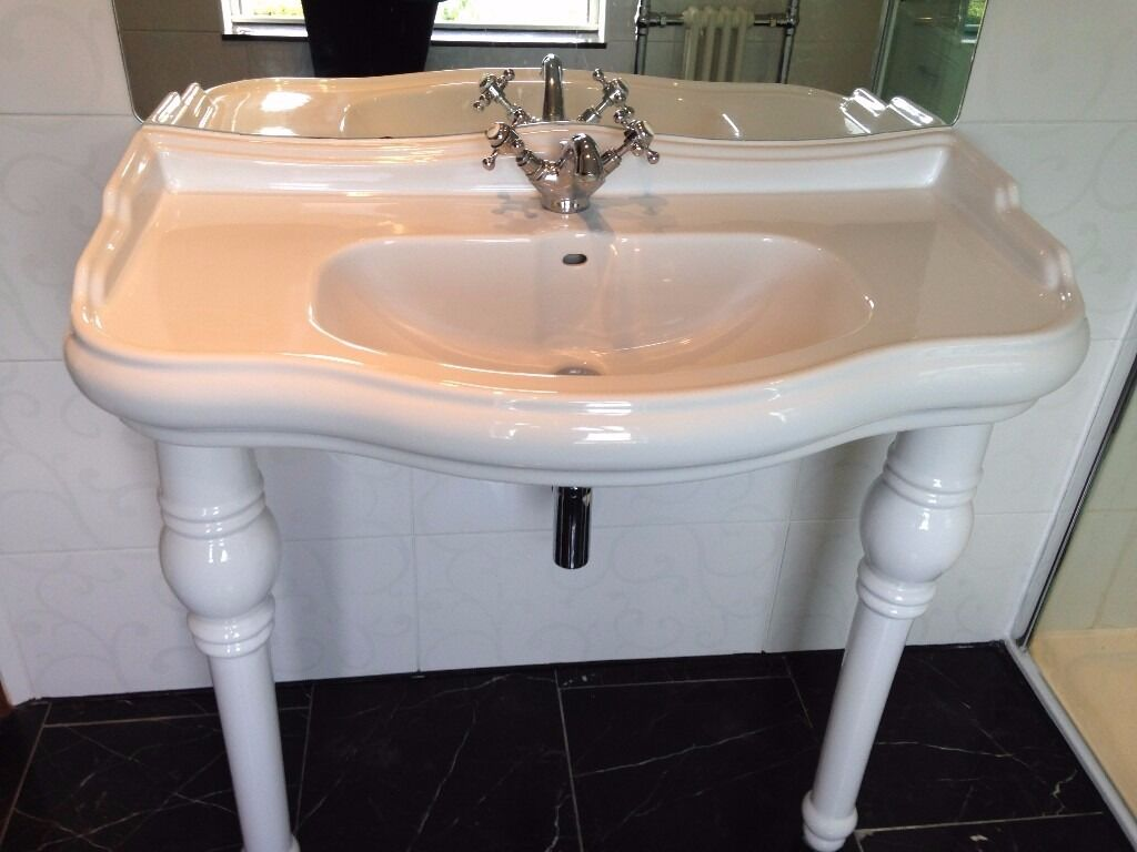 Victorian bathroom sink - Victorian Style Console Stand Mounted Washbasin With Legs