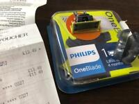 PHILIPS ONEBLADE WITH TRAVEL CASE