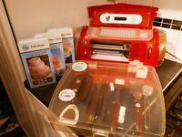 CRICUT CAKE MACHINE + 3 CARTRIDGES + ACCESSORIES VGC £100 o.n.o