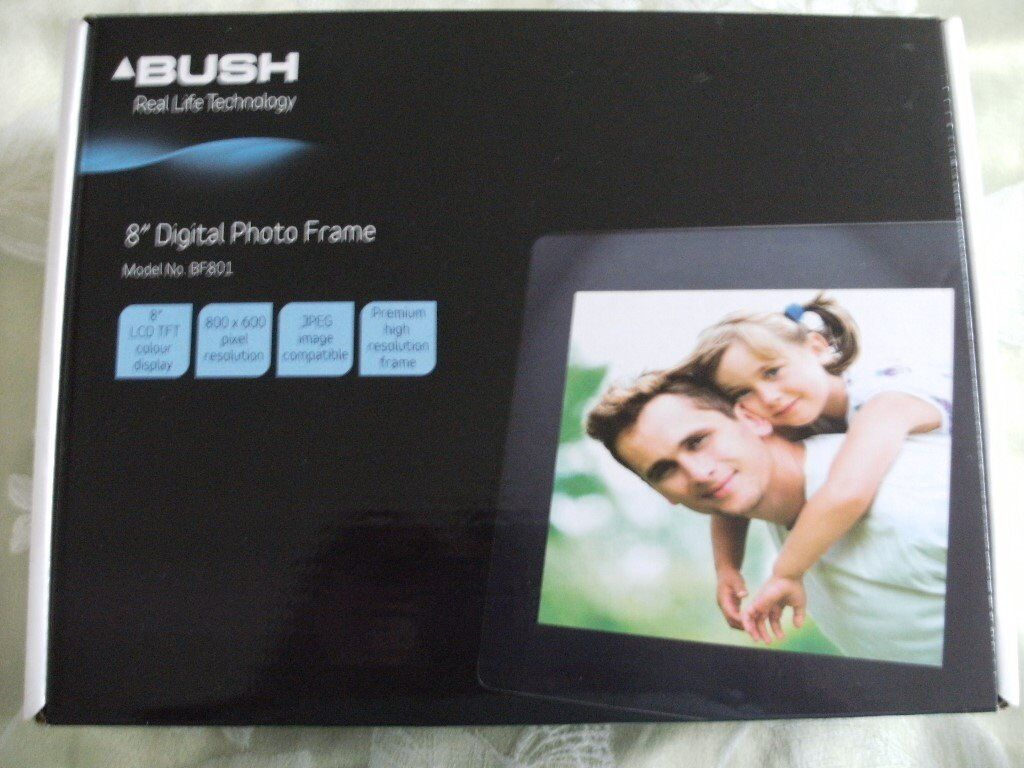 "BUSH 8"" DIGITAL PHOTO FRAME (Brand New &"
