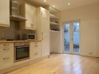 DOUBLE BEDSIT, LATIMER ROAD, NORTH KENSINGTON, W10