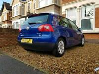 1 previous owner - VW Golf SE FSI - 6 speed - rare R32 blue