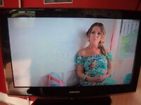 32 INCH SAMSUNG LCD HD TV